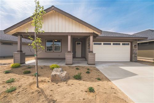 Photo of 2669 NW 25th Street, Redmond, OR 97756 (MLS # 220102118)