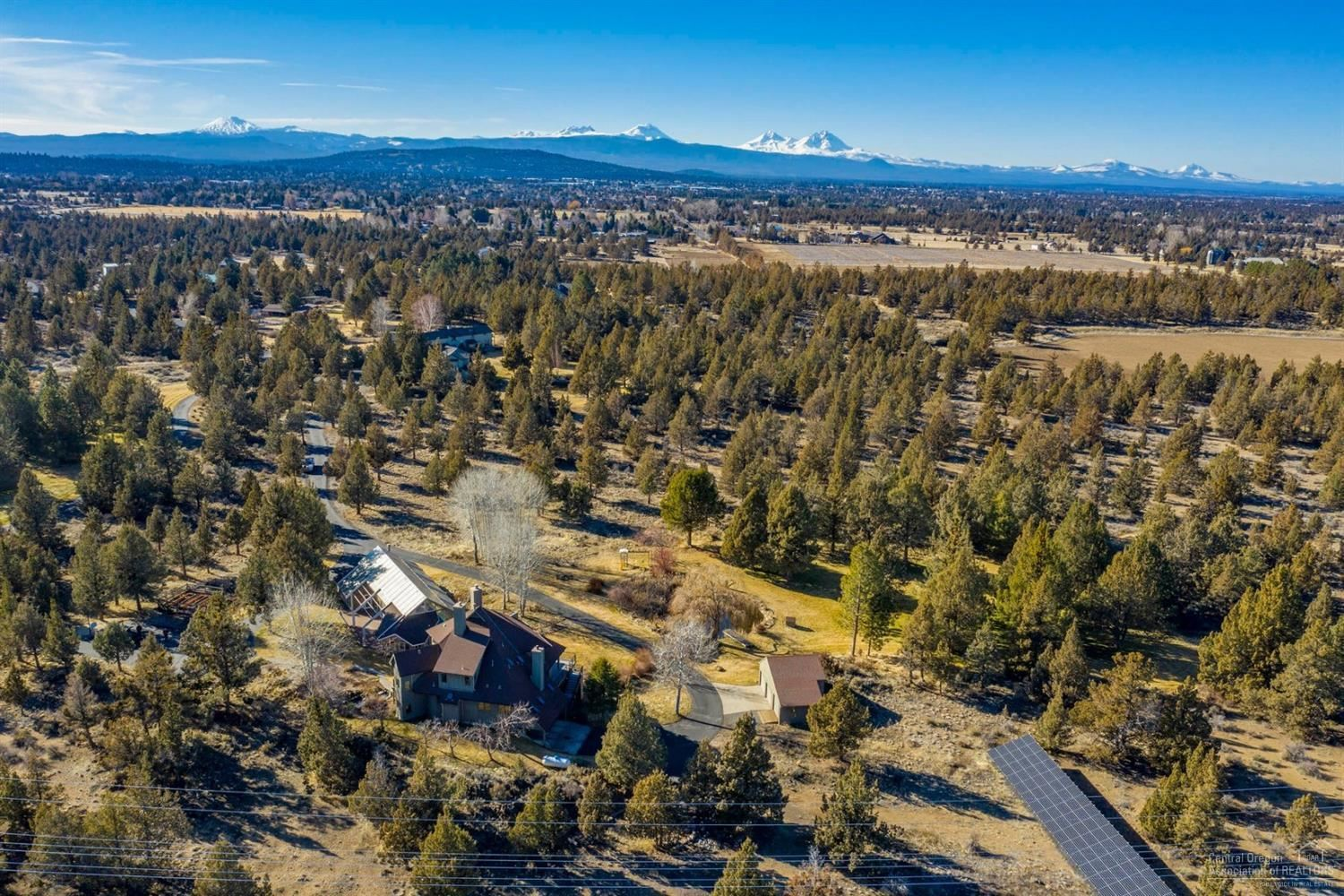 Photo for 21833 Los Serranos Drive, Bend, OR 97701 (MLS # 202001119)
