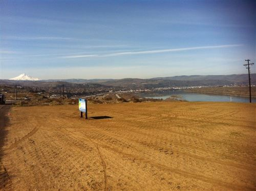 Photo of 3723 Columbia View Drive, The Dalles, OR 97058 (MLS # 220120121)