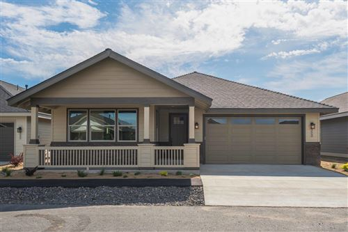 Photo of 2668 NW 25th Street, Redmond, OR 97756 (MLS # 220102125)