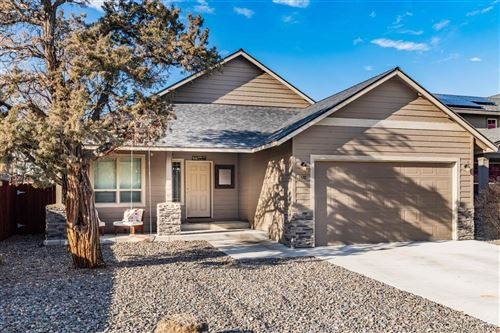 Photo of 1376 SW 27th Street, Redmond, OR 97756 (MLS # 202000127)