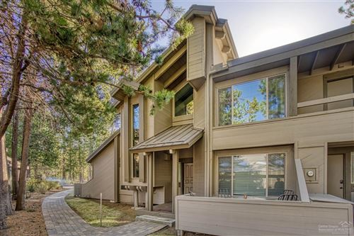 Photo of 64 Tennis Village Court, Sunriver, OR 97707 (MLS # 202000138)