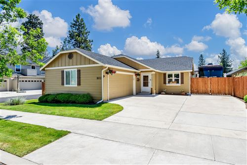 Photo of 1603 W Allingham Avenue, Sisters, OR 97759 (MLS # 220104148)