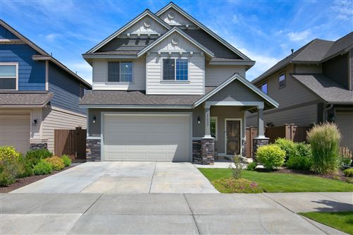 Photo of 21400 Evelyn Place, Bend, OR 97701 (MLS # 220104150)