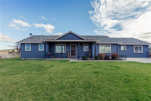 Photo of 13302 SW Shumway Road, Powell Butte, OR 97753 (MLS # 220133157)