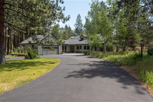 Photo of 60210 Ridgeview Drive E, Bend, OR 97701 (MLS # 220104170)