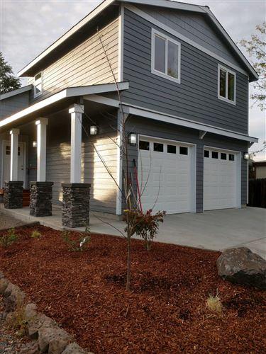 Photo of 557 NE Garner Street, Prineville, OR 97754 (MLS # 220111172)