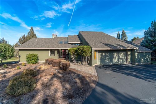 Photo of 1951 Osprey Drive, Redmond, OR 97756 (MLS # 201910181)