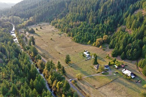 Photo of 39935 Layng Creek Road, Cottage Grove, OR 97424 (MLS # 220114181)