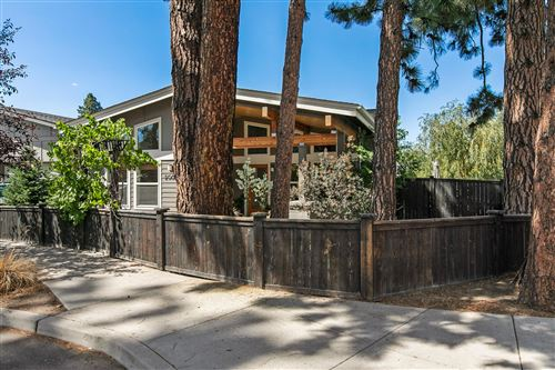 Photo of 20038 SW Millcrest Place, Bend, OR 97702 (MLS # 220128184)