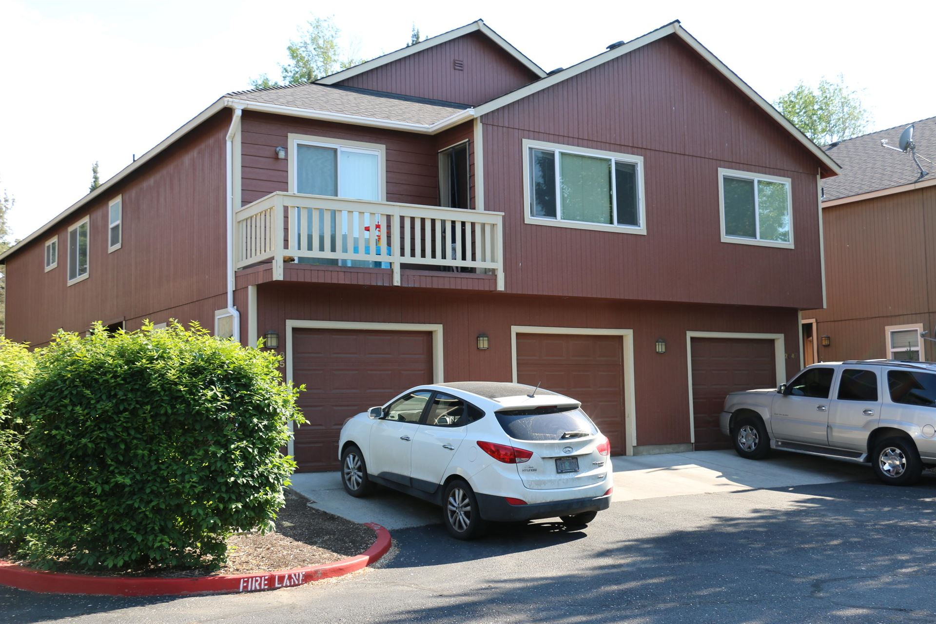 Photo for 2043 SW Canyon Drive, Redmond, OR 97756 (MLS # 220124192)