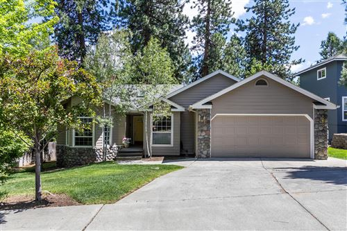 Photo of 1166 NW Knoxville Boulevard, Bend, OR 97703 (MLS # 220104207)