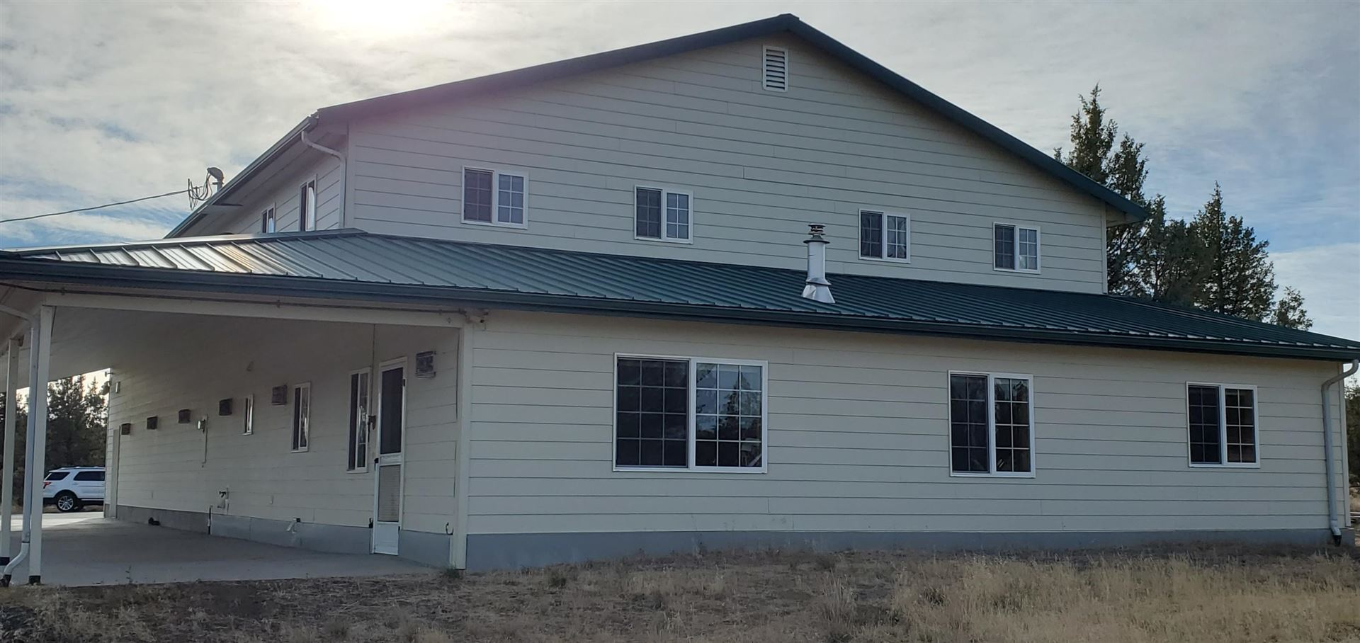 Photo of 10101 SE View Top Lane, Prineville, OR 97754 (MLS # 220106207)