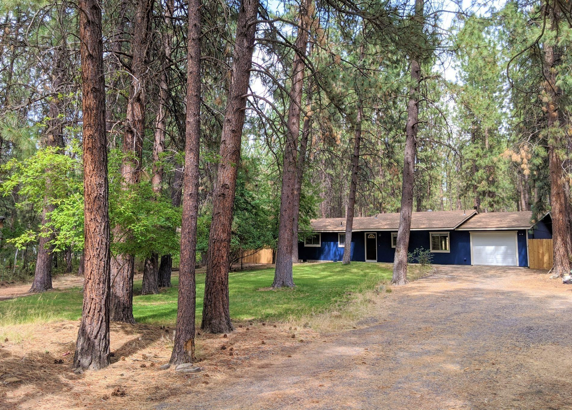 Photo of 60140 Agate Road, Bend, OR 97702 (MLS # 220106209)