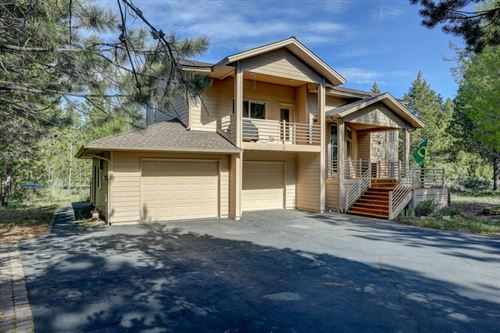 Photo of 11 Foursome Lane, Sunriver, OR 97707 (MLS # 202000210)