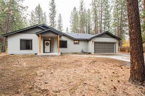 Photo of 19415 Comanche Circle, Bend, OR 97702 (MLS # 220134228)