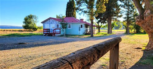 Photo of 8250 NW Madras Highway, Prineville, OR 97754 (MLS # 220130236)
