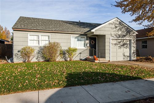 Photo of 1046 SW 12th Street, Redmond, OR 97756 (MLS # 220111248)