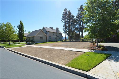 Photo of 513 S Pine Meadow Street, Sisters, OR 97759 (MLS # 220125260)