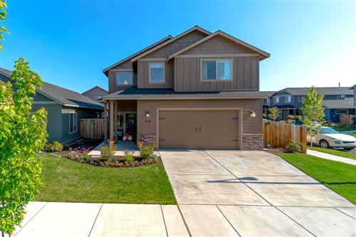 Photo of 3013 NW Alder Place, Redmond, OR 97756 (MLS # 220104262)