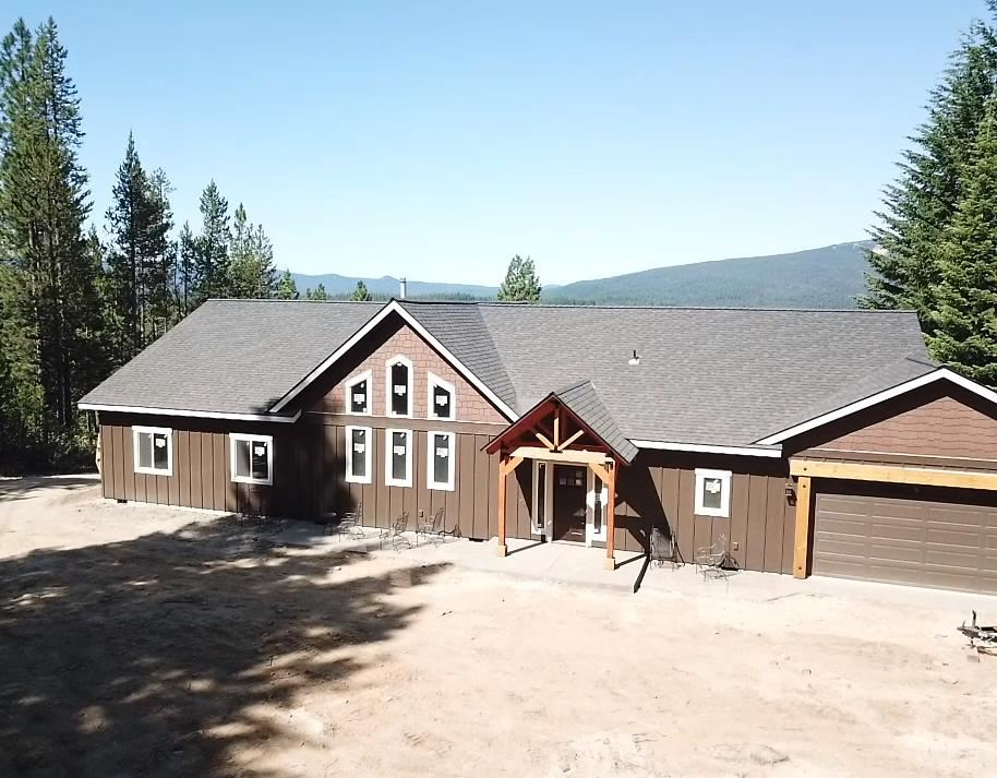 Photo of 18903 Clear Spring Way, Crescent Lake, OR 97733 (MLS # 220106266)