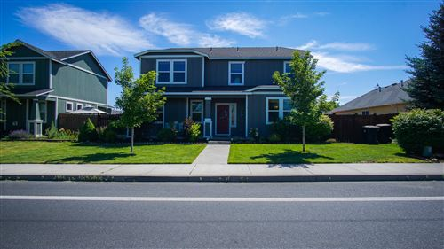 Photo of 1460 SW 35th Street, Redmond, OR 97756 (MLS # 220127270)