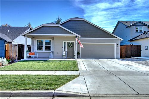 Photo of 2039 Milton Lane, Medford, OR 97501 (MLS # 220111273)