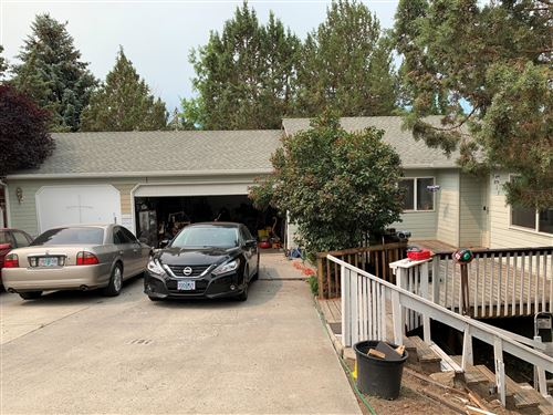 Photo of 3017 SW 35th Court, Redmond, OR 97756 (MLS # 220130278)