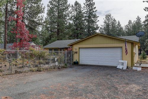 Photo of 19455 Apache Road, Bend, OR 97702 (MLS # 220134285)