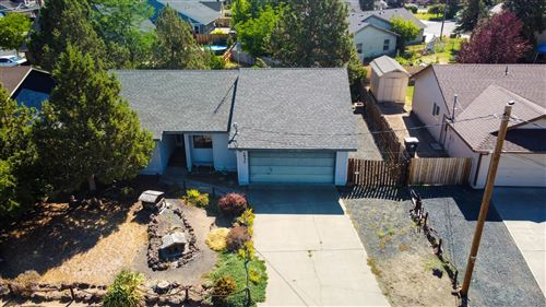 Photo of 1530 SW 21st Place, Redmond, OR 97756 (MLS # 220128286)