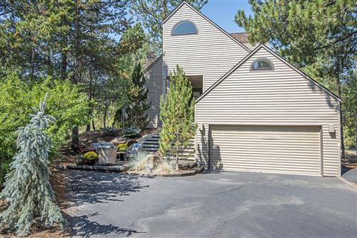 Photo of 17915 Foursome Lane, Sunriver, OR 97707 (MLS # 220132286)