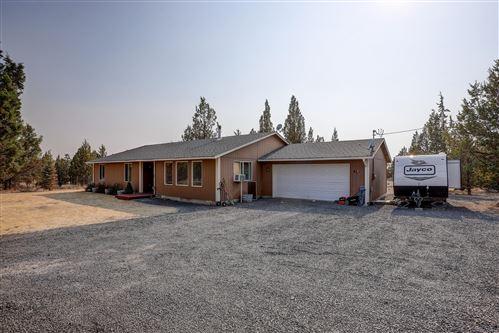 Photo of 15741 SE Yurok Road, Prineville, OR 97754 (MLS # 220127291)