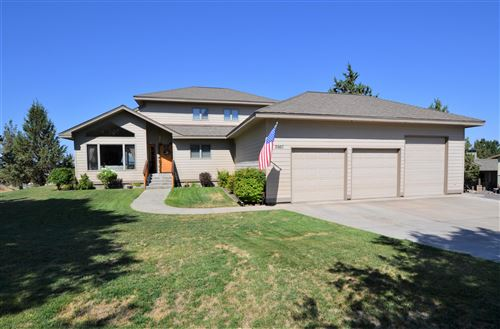 Photo of 2667 SW 41st Street, Redmond, OR 97756 (MLS # 220106293)