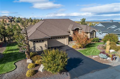 Photo of 537 Highland Meadow Loop, Redmond, OR 97756 (MLS # 220111296)