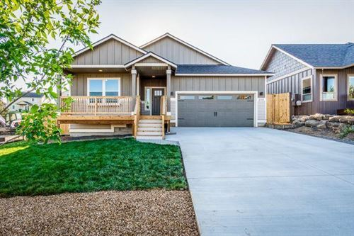 Photo of 2580 SW 47th Street, Redmond, OR 97756 (MLS # 220106307)