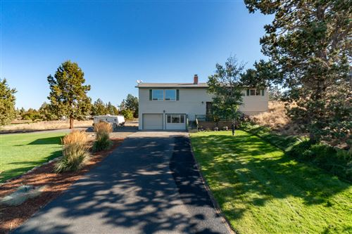 Photo of 950 NW 49th Street, Redmond, OR 97756 (MLS # 220110310)