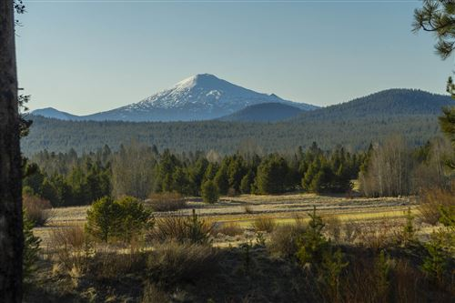 Photo of 56373 Trailmere Circle, Bend, OR 97707 (MLS # 220118311)