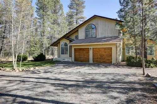 Photo of 52606 Skidgel Road, La Pine, OR 97739 (MLS # 220111315)