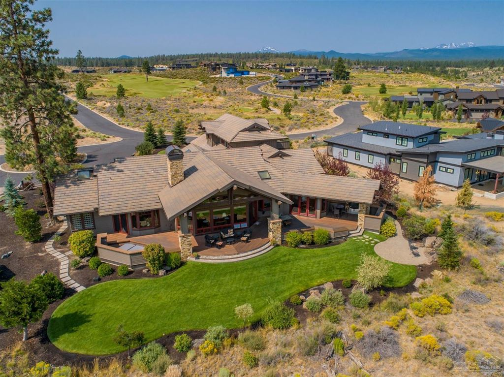 Photo for 61474 Weinhard Court, Bend, OR 97702 (MLS # 201808316)
