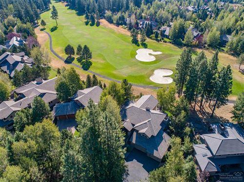Tiny photo for 19238 Green Lakes Loop, Bend, OR 97702 (MLS # 201811329)