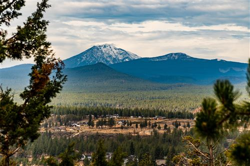 Photo of 1961 NW Sun Ray Court, Bend, OR 97703 (MLS # 220134332)