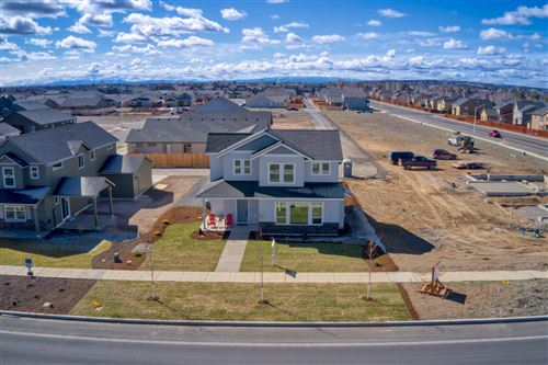 Photo of 776 NW 27th Street, Redmond, OR 97756 (MLS # 220115335)