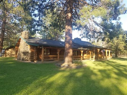 Photo of 69280 Crooked Horseshoe Road, Sisters, OR 97759 (MLS # 220126336)