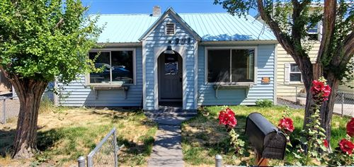 Photo of 951 NW 2nd Street, Prineville, OR 97754 (MLS # 220127340)