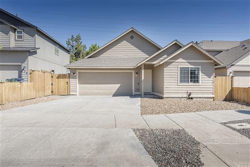 Photo of 628 SE Gleneden Place, Bend, OR 97702 (MLS # 220106342)