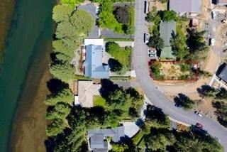 Photo of 2332 NW Lakeside Place, Bend, OR 97703 (MLS # 220101354)