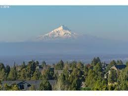 Photo of 913 Highland View Loop, Redmond, OR 97756 (MLS # 220101358)
