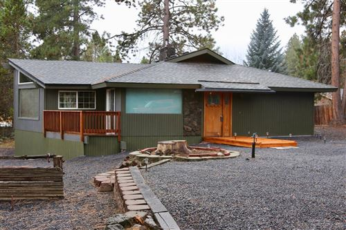 Photo of 19143 Pumice Butte Road, Bend, OR 97702 (MLS # 201910369)