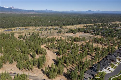 Photo of Lot 16 NW Woodsman Court NW, Bend, OR 97703 (MLS # 220120380)