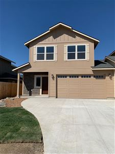 Photo of 181 NW 29th Street, Redmond, OR 97756 (MLS # 201807381)